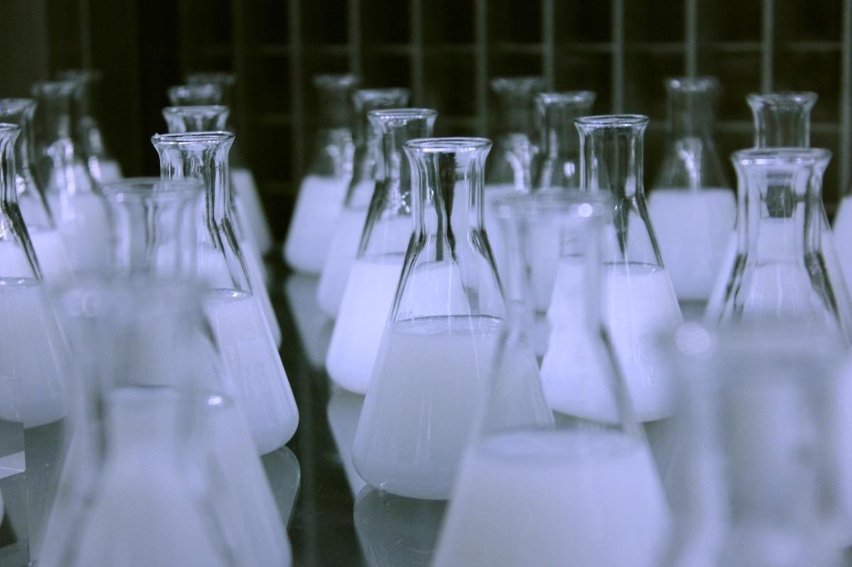 Quelques sites à connaître pour tester la composition de ses produits cosmétiques et faire face au greenwashing